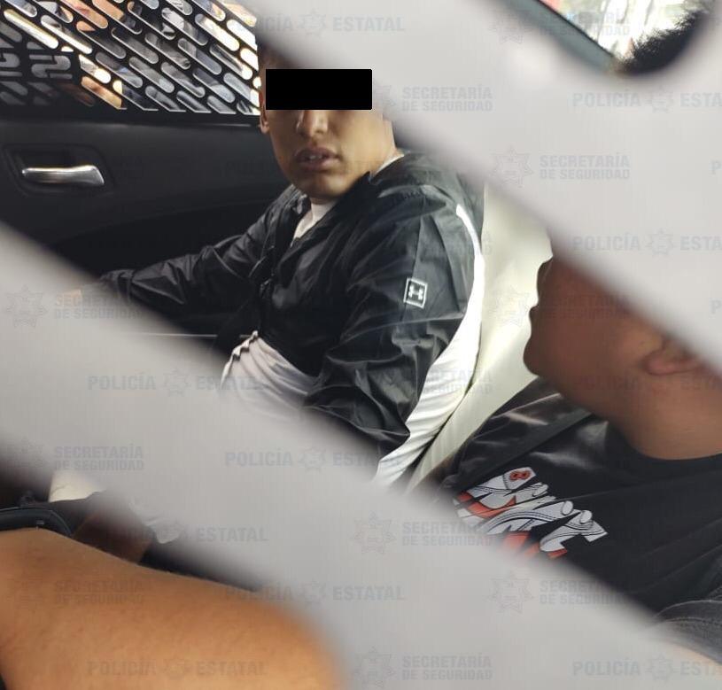 Elementos de la secretaría de seguridad recuperan motocicleta con reporte de robo y detienen a dos posibles responsables