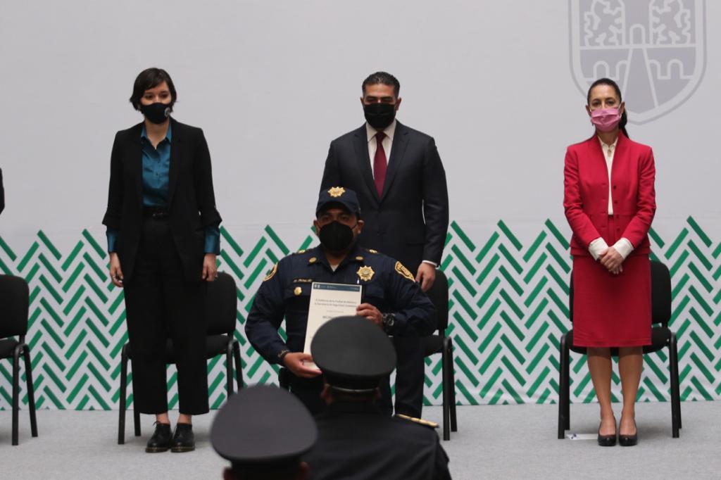 ¡Vídeo! Por su valor, entrega, compromiso y honorabilidad, mujeres y hombres policías de la SSC y FGJ fueron reconocidos en una ceremonia presidida por la jefa de gobierno