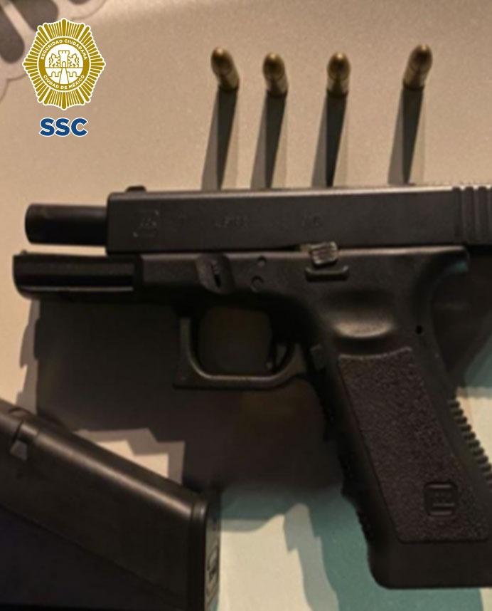 En la alcaldía Cuauhtémoc, oficiales de la SSC detuvieron a un hombre que posiblemente agredió con un arma de fuego a tres personas