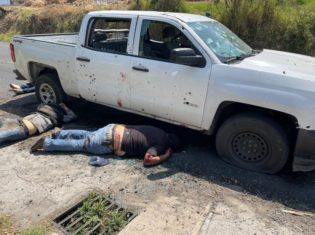 Emboscan a policías estatales en llano grande Coatepec Harinas, un helicóptero traslada a los heridos a hospital de Toluca