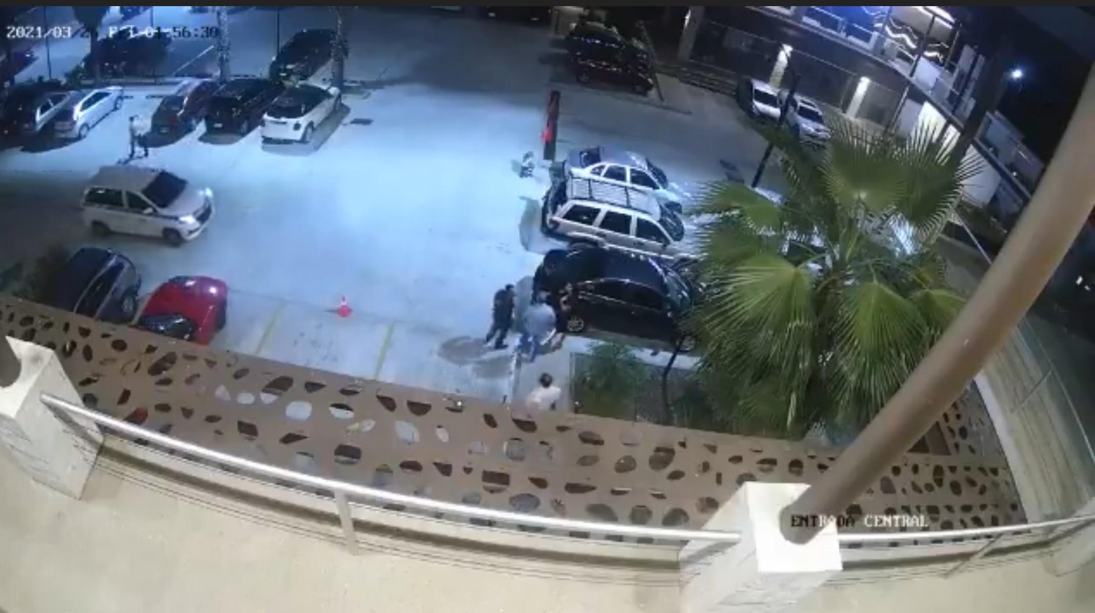 VIDEO: Momento en que pistoleros balean a discreción en bar Ginza