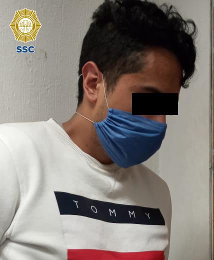 En la Alcaldía Azcapotzalco, un joven fue detenido por efectivos de la SSC, posiblemente relacionado en el atropellamiento de dos mujeres