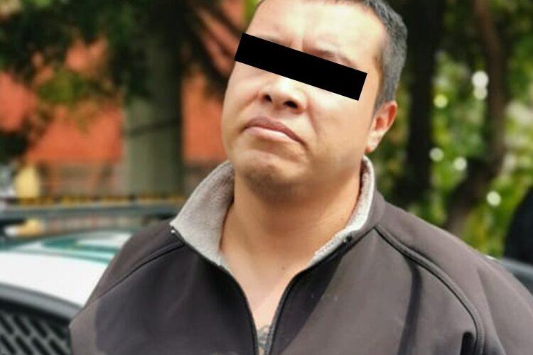 En diferentes alcaldías, tres hombres posiblemente involucrados en asaltos a ciudadanos en la vaa publica, fueron detenidos por oficiales de la SSC