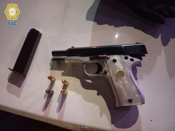 Un hombre agredió con un cuchillo a dos personas en la Colonia Valle Gómez