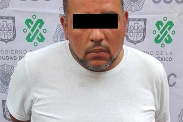 En la colonia Doctores, dos hombres fueron detenidos por personal de la SSC, posiblemente involucrados en un asalto a un ciudadano